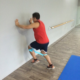 Skipping Con Gomas Contra Pared, paso 7