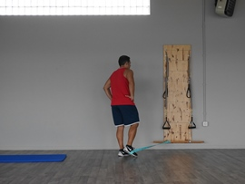 Extensión De Cadera + Flexión De Rodilla Con Goma, paso 3