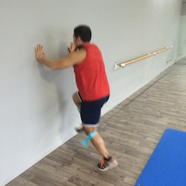 Skipping Con Gomas Contra Pared, paso 10