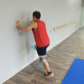 Skipping Con Gomas Contra Pared, paso 11