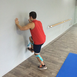Skipping Con Gomas Contra Pared, paso 4