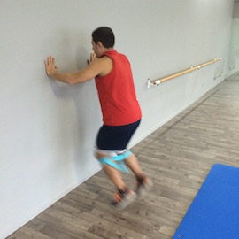 Skipping Con Gomas Contra Pared, paso 6