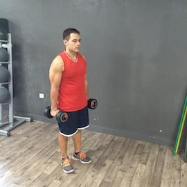 Curl Biceps Alterno En Bipedestación, paso 1